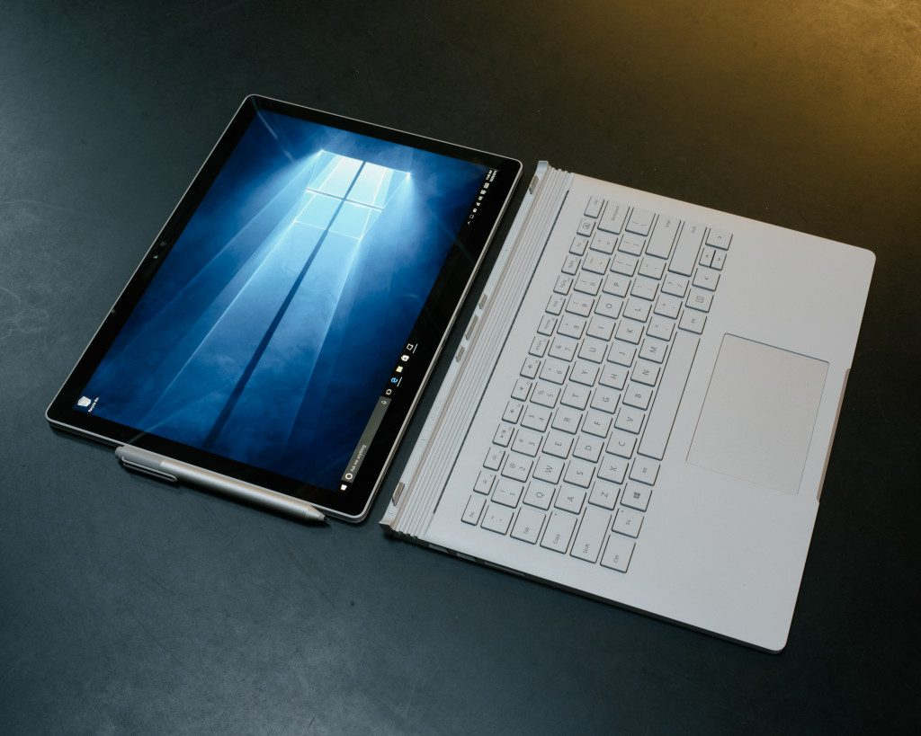 Microsoft_Surface_Book_2_3