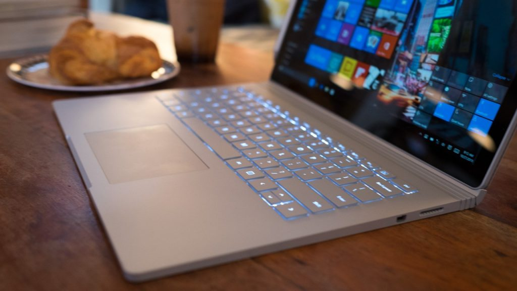 Microsoft_Surface_Book_2_6